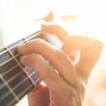 ギターのタッピング・ハーモニクスとは?コツや練習方法。