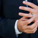 バンドマンは結婚を隠すもの?その意図は?