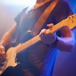 ギターで小指が短い人・小指が立つ人の対処法