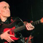 ウィルコジョンソンのギターのプレイスタイル・経歴・機材について。